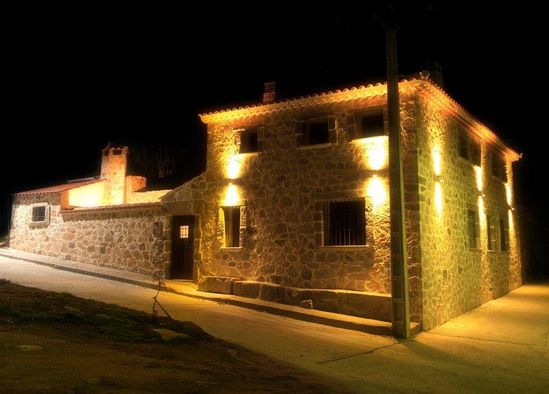 'El Gorgocil'Casa rural 4****, aluguéis de temporada em Hoyorredondo