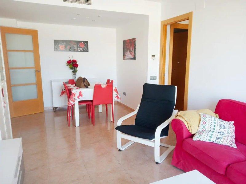 Nice apartment with sea view & Wifi, aluguéis de temporada em Calella