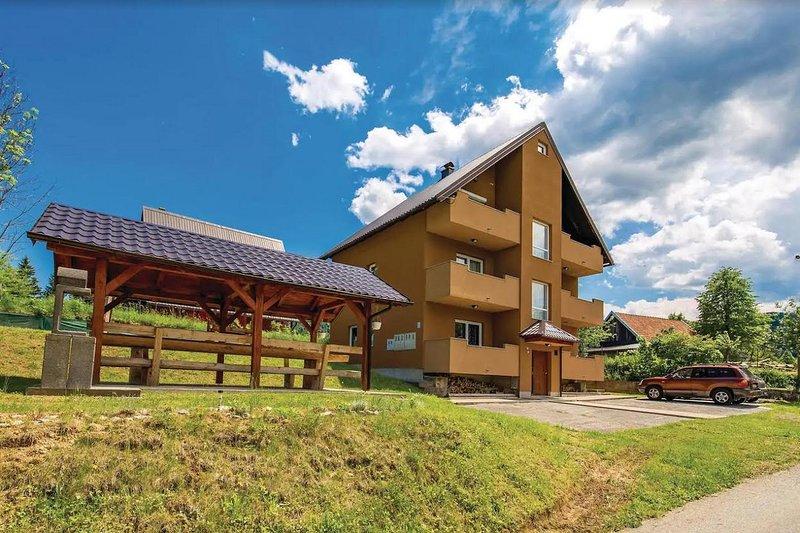 Two bedroom apartment Jasenak, Karlovac (A-17501-a), location de vacances à Vrbovsko