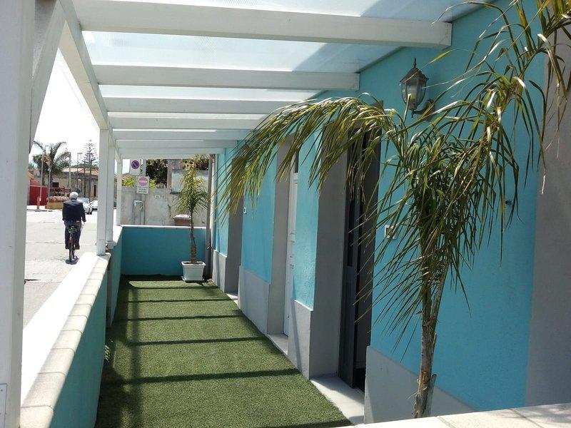 Beautiful apartment with balcony, location de vacances à Barcellona Pozzo di Gotto