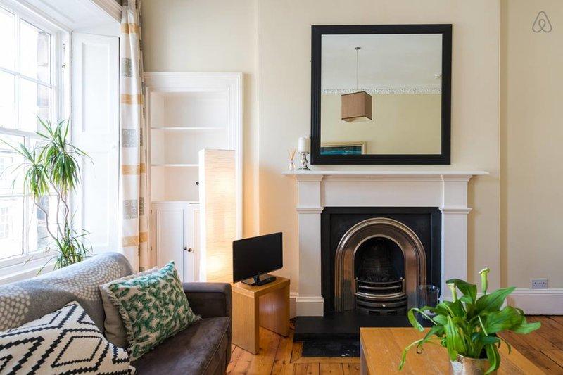 Spacious apartment, Cumberland Street, vacation rental in Edinburgh