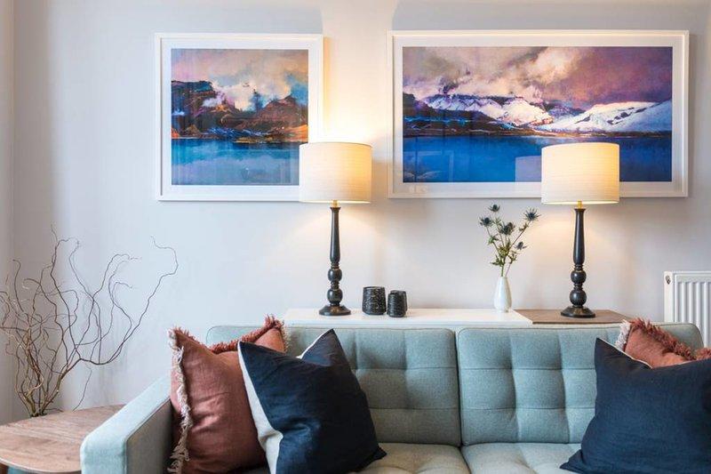 Incredible 1 bed Apartment in Stockbridge, vacation rental in Edinburgh