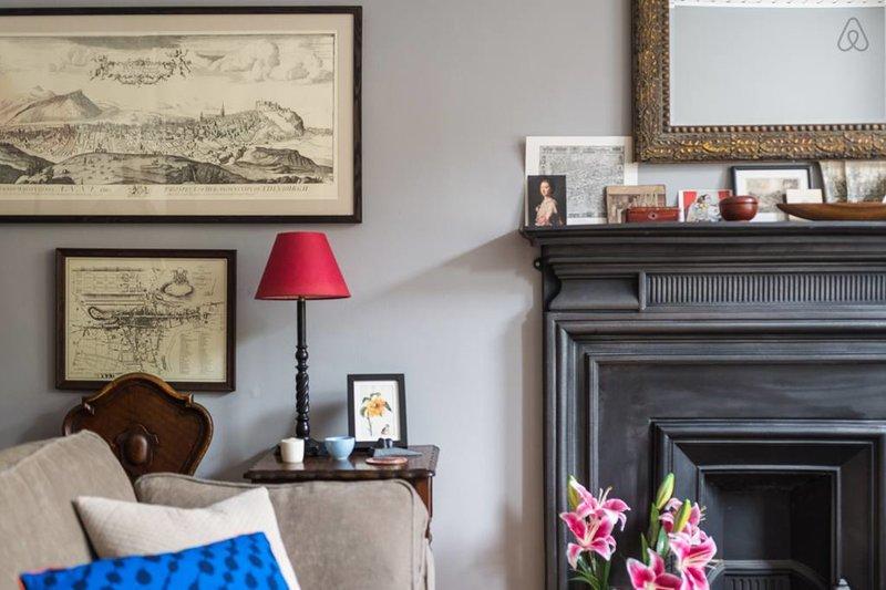 Historical flat in Edinburgh's Leading Location, vacation rental in Edinburgh