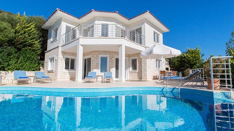Villa Indigo - luxury 5 bedroom villa on Kas penisula with stunning sea views, holiday rental in Kastellorizo