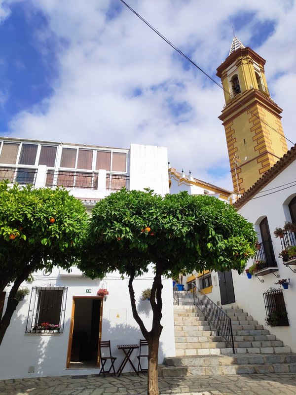 *NEW* Spanish Casa in Heart of Old Town. Estepona's Most Photographed Street, vacation rental in Estepona