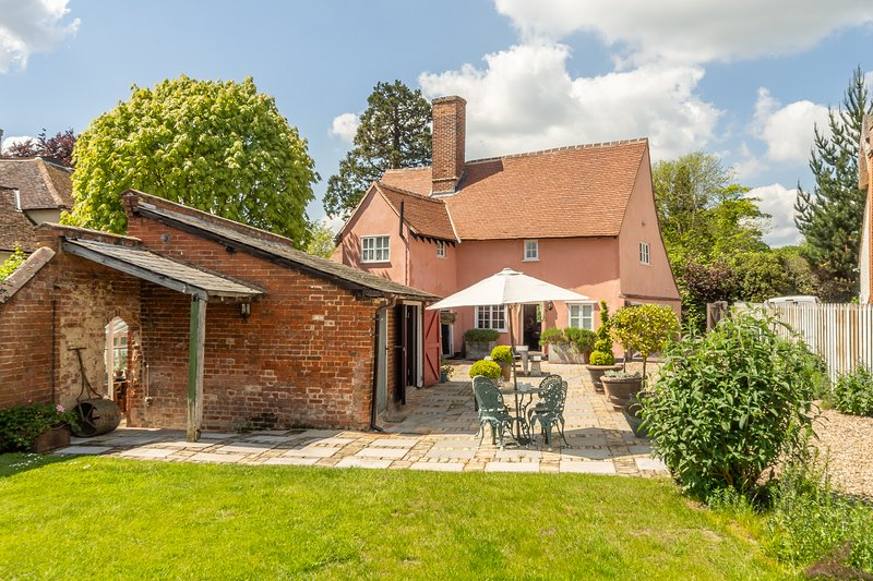 The Old Post Office, classic historic cottage, holiday rental in Polstead