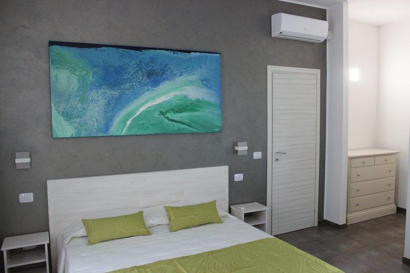 Damavi suite - Scirocco - Appartamento a Torre dell'Orso, 200 m dal mare, holiday rental in Sant'Andrea