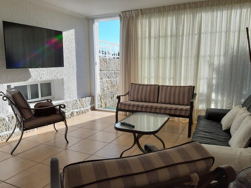 CHALET, WIFI, JARDIN, 500 MTS PLAYA SILGAR, holiday rental in Viliquin