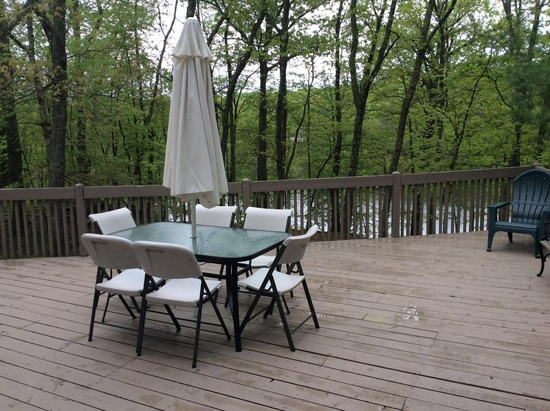 The lake view deck with BBQ propane gas grill.