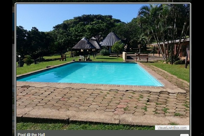 Holiday Rondavel in lush nature reserve 500 meters from the beach, vacation rental in Pennington