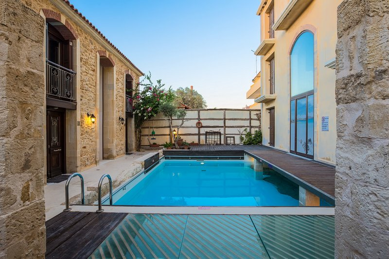 Seafront Residences Villa 1. Beach,Pool,Rethymnon!, holiday rental in Panorama