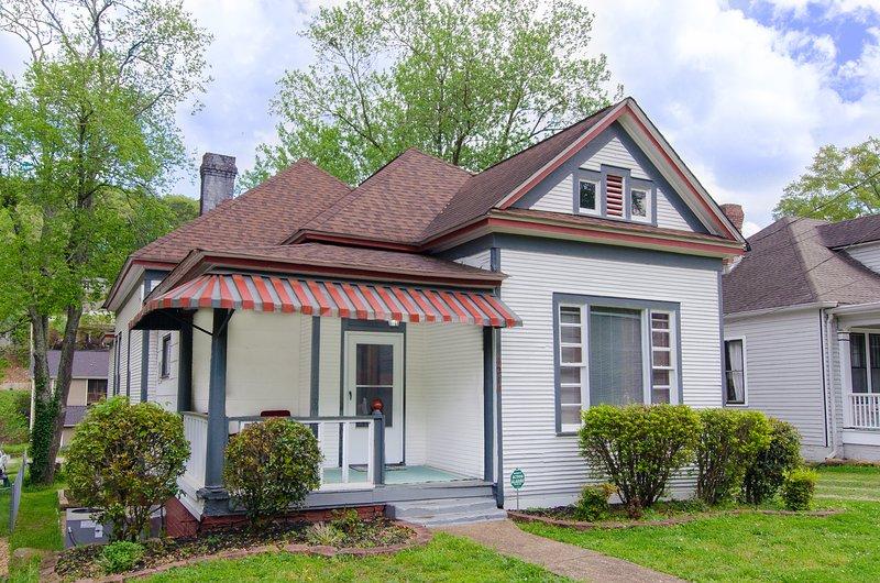 Welcome to Saint Elmo's Gem: Classy comfort in the heart of Chatt's favorite historic neighborhood.