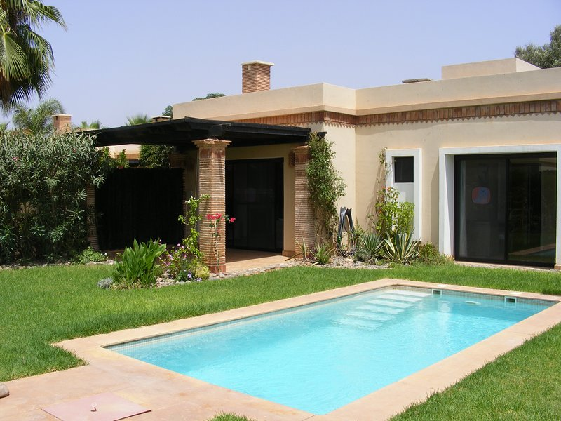 VILLA L OASIS  3 CHAMBRES AVEC PISCINE PRIVEE, holiday rental in Oulad Teima
