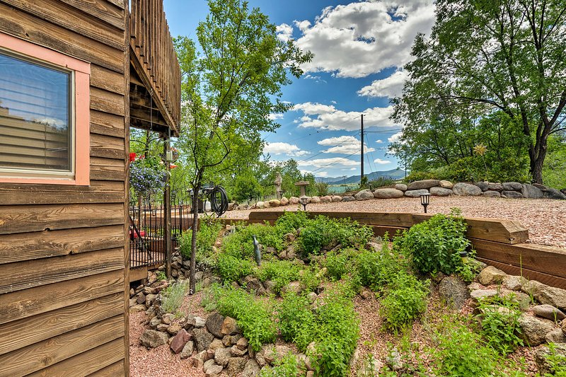 Your Colorado Springs home-away-from-home is just 5 miles from downtown!