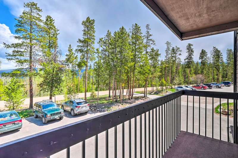 Soak in the vacation rental's mountainous location from the private balcony.