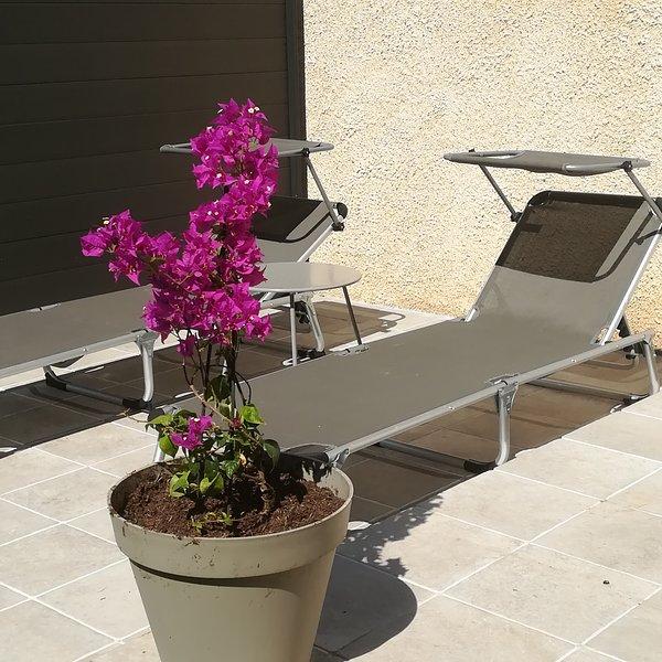 maisonnette indépendante dans VILLA avec jardin et piscine, location de vacances à Meyreuil