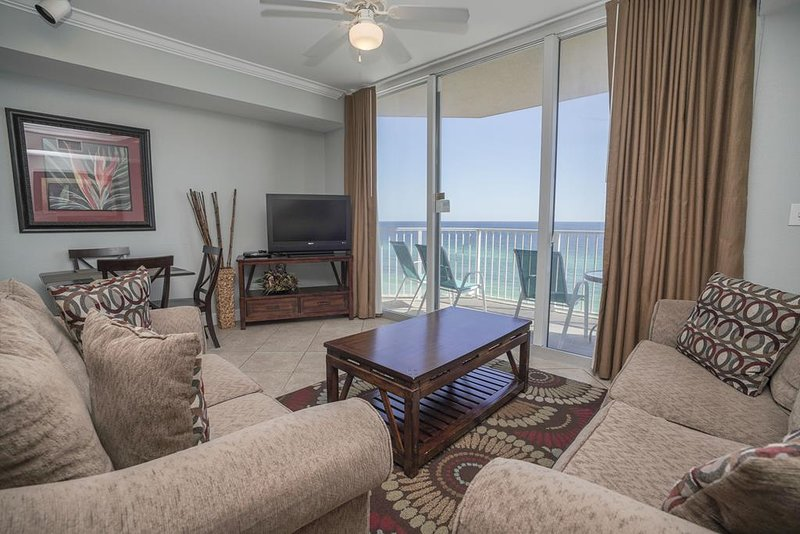 Tidewater 716 | Beachfront Condo | Sauna | Game Room!, holiday rental in Laguna Beach