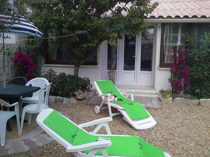 maison climatisée,avec véranda, moustiquaires jardin ensoleillé, proche de tout, alquiler vacacional en Le Grau-du-Roi
