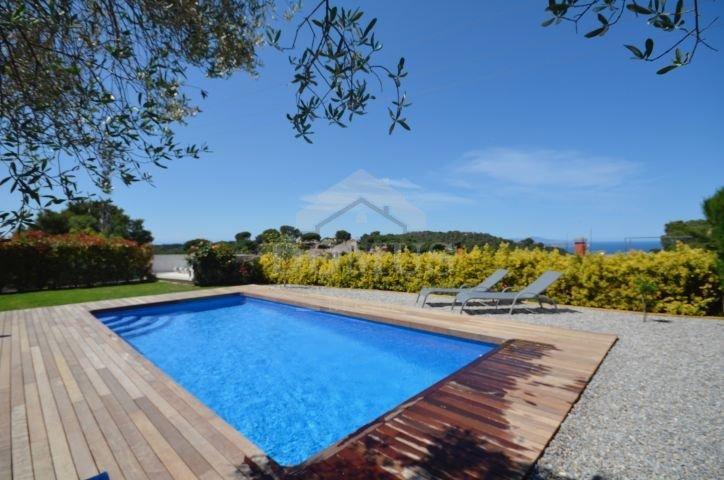 Begur Villa Sleeps 8 with WiFi - 5806006, alquiler de vacaciones en Regencós