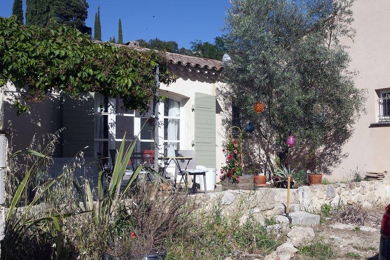 La petite maison des Cigales, vacation rental in Maubec