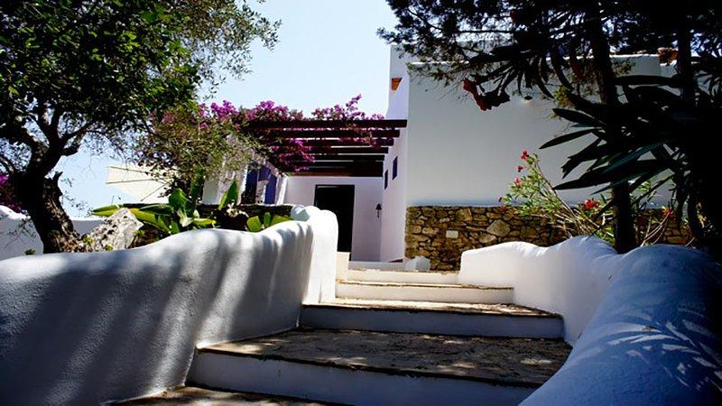 Can Furnet Villa Sleeps 4 with Pool Air Con and WiFi - 5805543, location de vacances à Roca Llisa