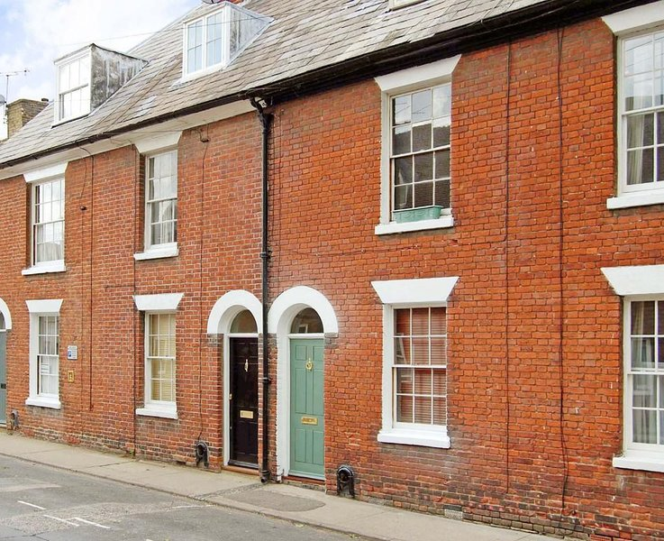 Period cottage tucked away within the City walls, vacation rental in Blean