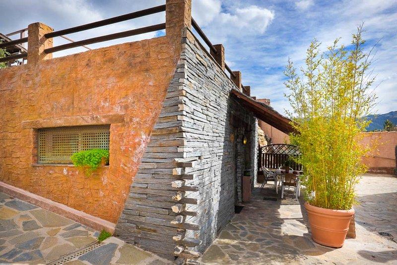 Apartamento tipo bungalow Pizarra 4 personas, vacation rental in Valdemorillo