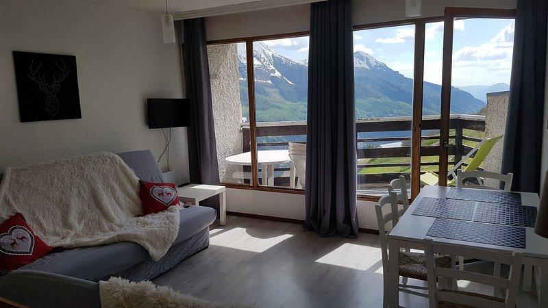 Nice studio - 100 m from the slopes, location de vacances à Orcières
