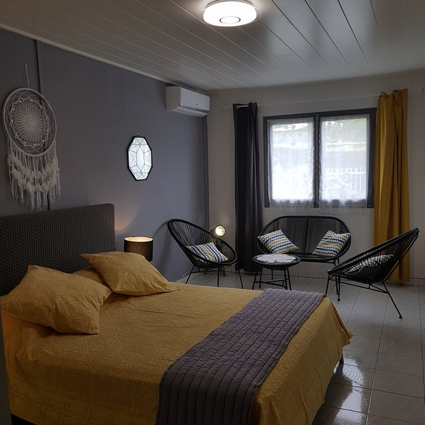 Maison de charme rénovée, holiday rental in Salazie