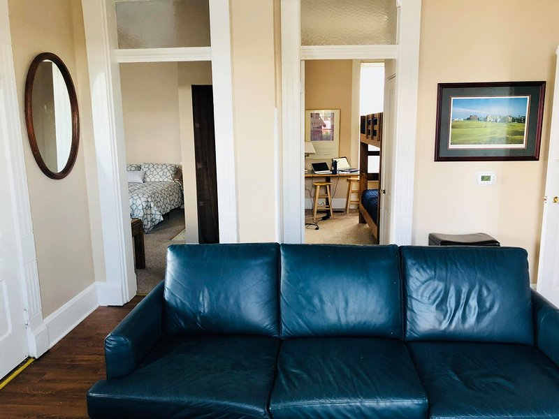 Large Home Rental-Downtown Indy-Perfect for Your Group! Walk to it All!, holiday rental in Plainfield