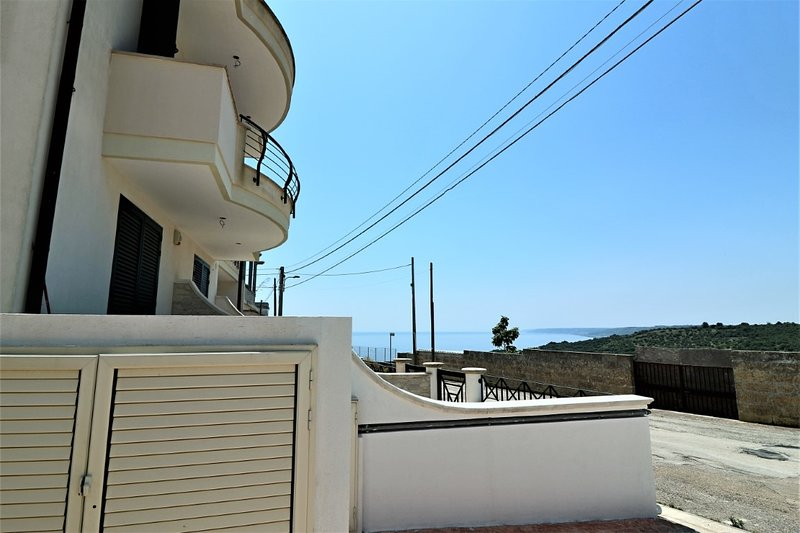 Holiday House Ritunna in Castro in the Adriatic Salento, holiday rental in Vignacastrisi