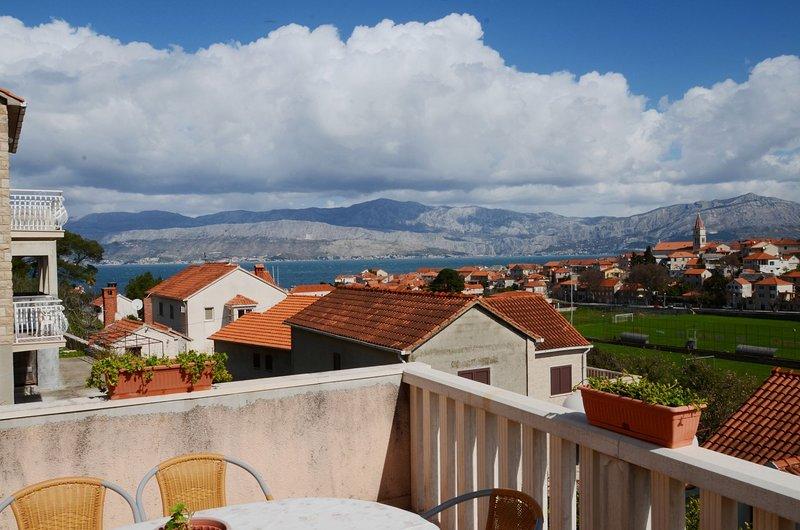 Iva - sea view  A2(4+1) - Postira, location de vacances à Postira