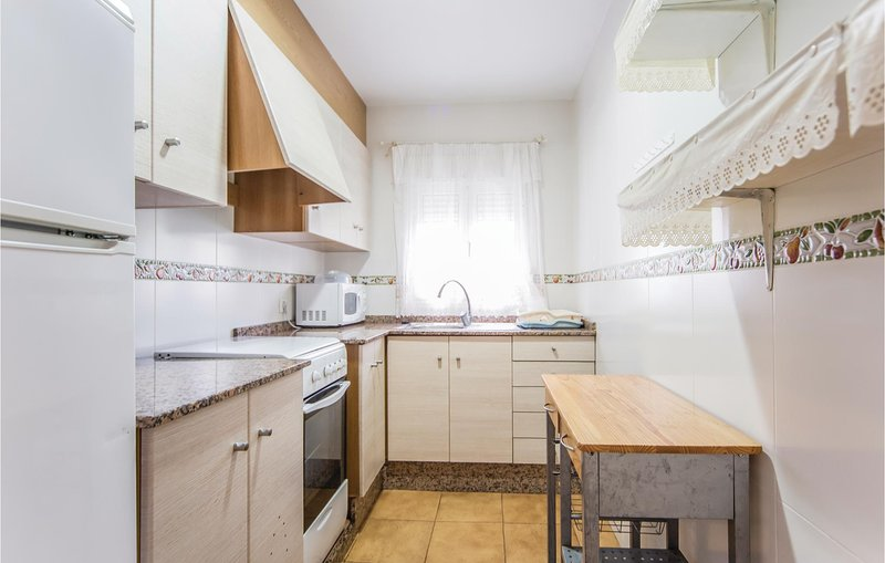 Amazing apartment in Benicasim w/ 3 Bedrooms, holiday rental in Vilafames