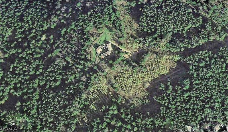 Domaine et gîte de groupe du 16° siècle en pleine nature dans le Parc du Pilat, holiday rental in Roisey