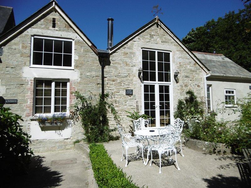 Stable cottage at Peregrine Hall, quiet, familly and pet friendly., location de vacances à Lostwithiel