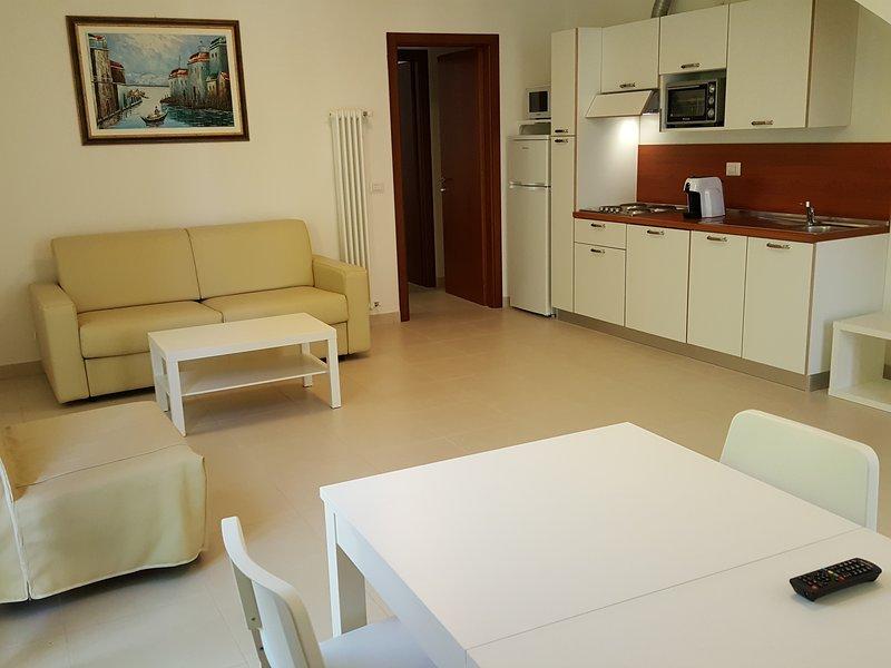 APPARTAMENTO INDIPENDENTE  min. 4 max 6 persone, vicino al mare, con giardino., casa vacanza a Santarcangelo di Romagna