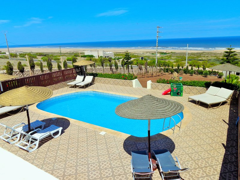 Villa avec piscine privée et vue imprenable sur la mer, holiday rental in Essaouira