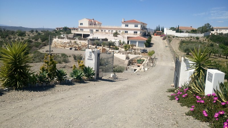 Casa Barranca Bed and Breakfast, holiday rental in Arboleas