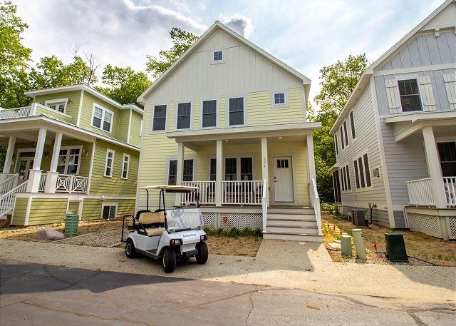 Custom Home in Beachwalk Resort w/ Golf Cart  BEACH, POOL, TENNIS, KAYAK + +, holiday rental in Michigan City