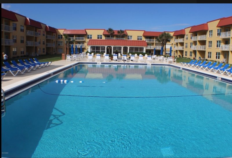 Beautiful newly renovated complex directly on the beach.