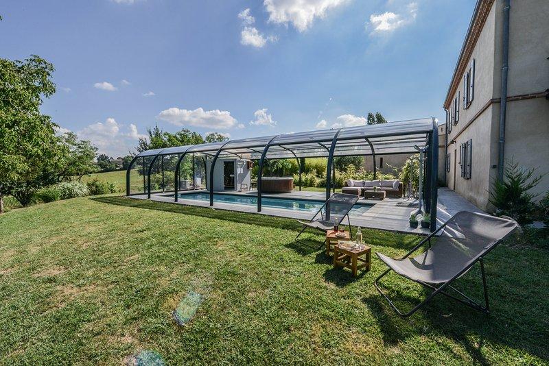 chambre d'hôtes dans une magnifique maison, casa vacanza a Paulhac