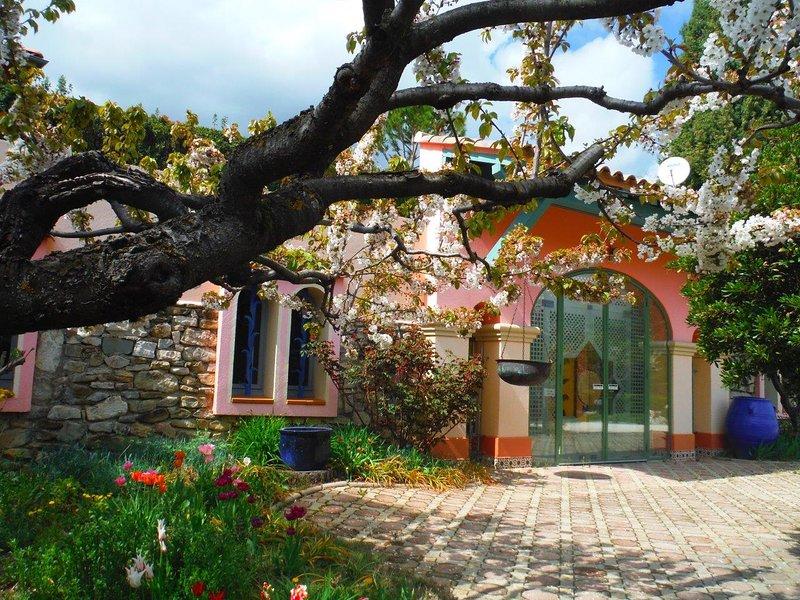 Les Flacheres - Villa Patio, Ferienwohnung in Roche-Saint-Secret-Beconne