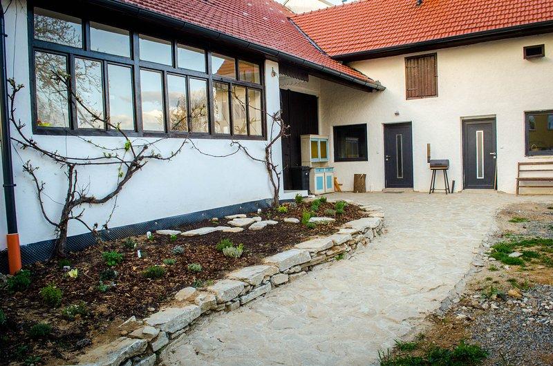 Dešov 119 Apartments, vacation rental in Geras