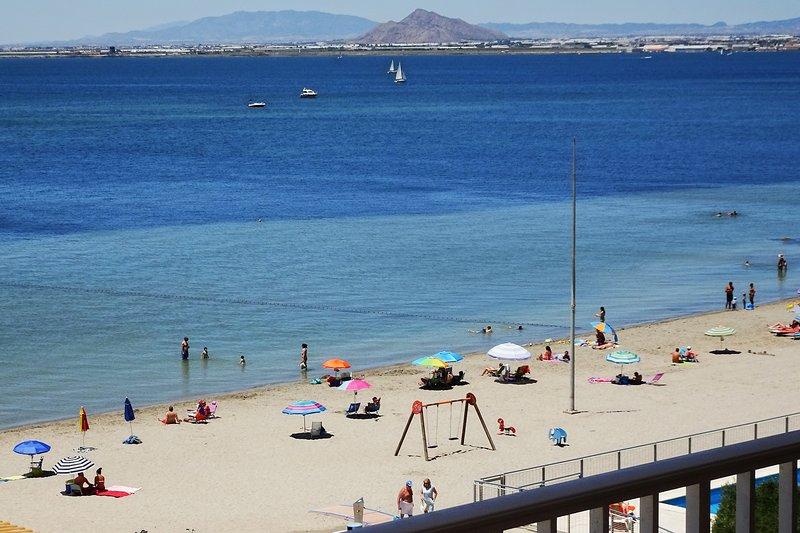 Apartamento junto a la playa con gran terraza y preciosas vistas al Mar Menor, location de vacances à La Manga del Mar Menor