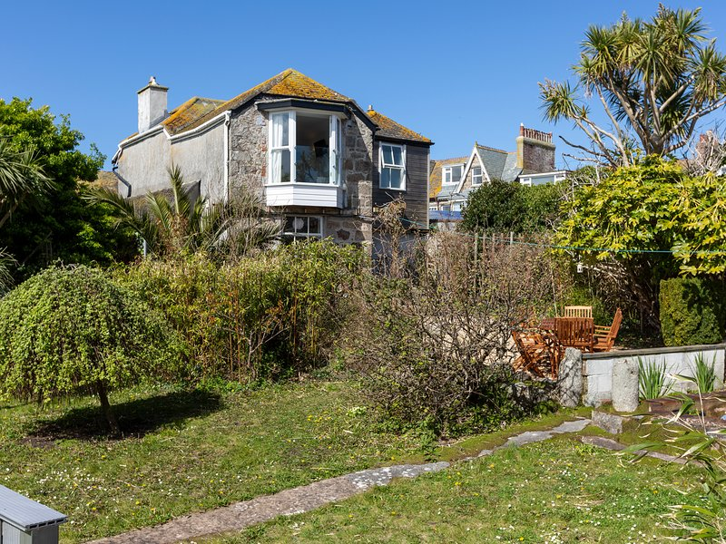 Ayr Farmhouse, St Ives, vacation rental in St Ives