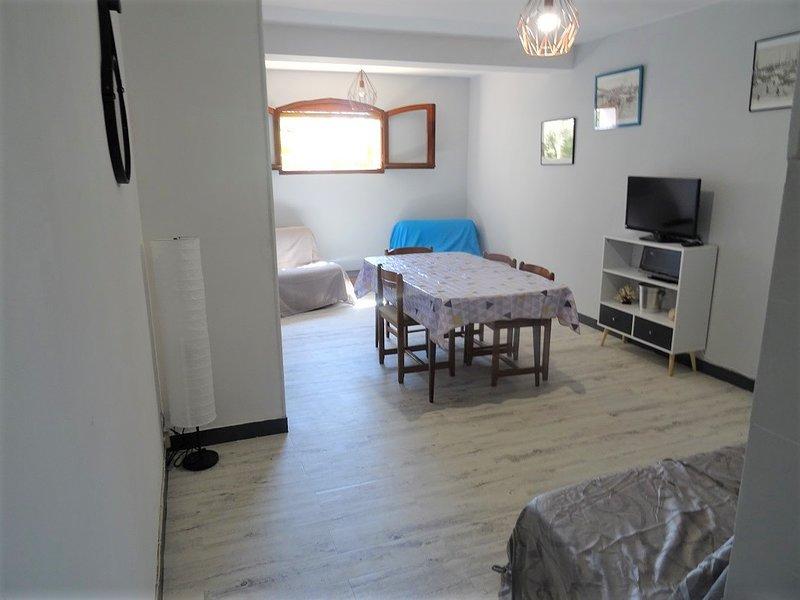 SAINT CYR SUR MER Les Lecques, Appart T1 RDC - 31m2 de 1/5 Pers / PLAGE/PARKING, holiday rental in Les Lecques