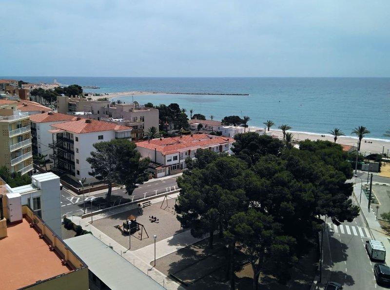 2 habitaciones vistas al mar Hospitalet del Infant, vacation rental in L'Hospitalet de l'Infant