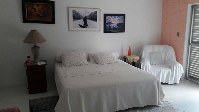 Outstanding Master Double Bedrooms Up to 05 people in a Nice House, holiday rental in Cotia