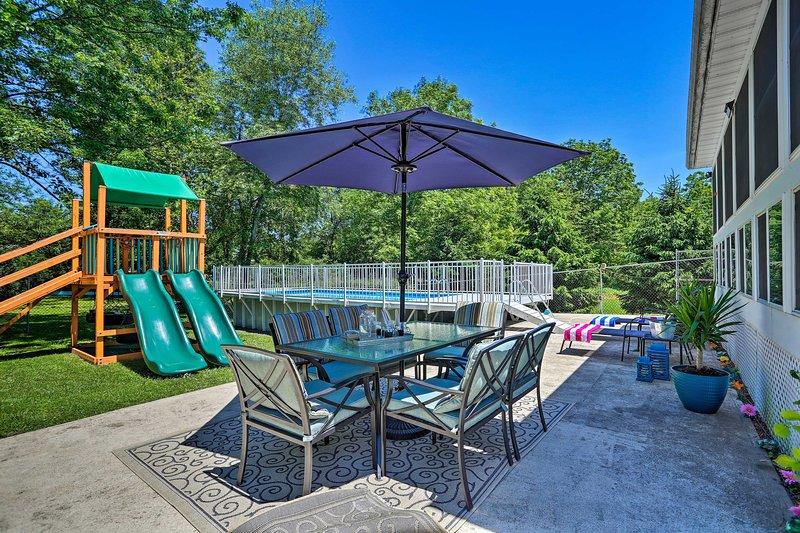 Pocono Mountains Family Home w/ Private Pool! Has Cable ...