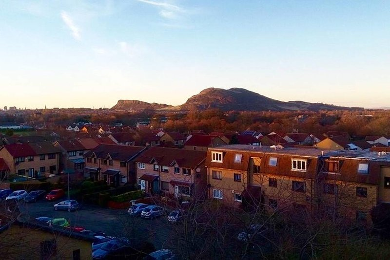 ARTHUR SEAT VIEW APARTEMENT, vacation rental in Roslin